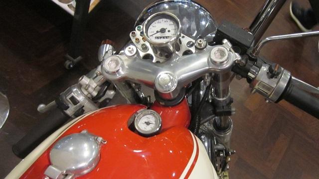 Deusのカスタムバイク