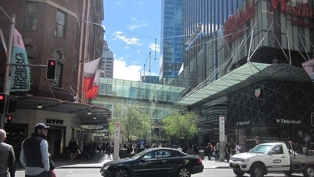 Market Streetから見たPitt Street Mall