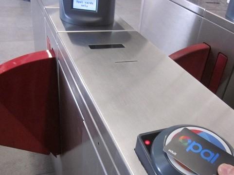 自動改札タップ・オフ