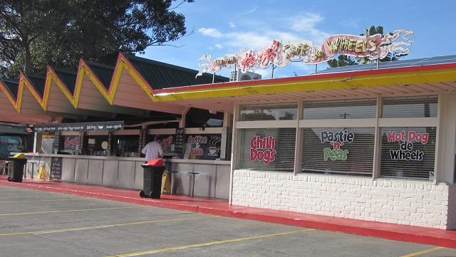 ミートパイで有名なシドニーのHarry's Cafe de Wheels