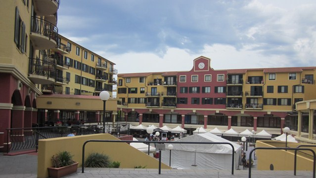 Itarian Forum Square