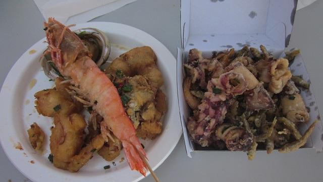 エビ、カニ、タコ、小魚他の揚げ物